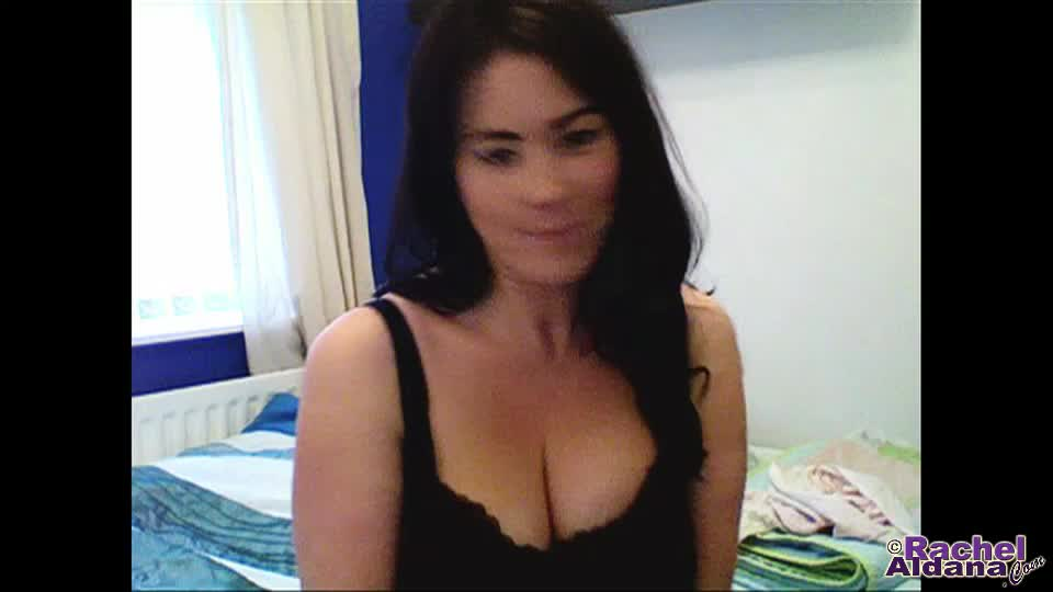 Webcam 117  me and my considerable tits are single  30sec heya Heya everyone! I have a special bonus WebCam update for you today over the weekend no less!. Rachel Aldana.