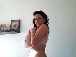 Rachel webcam106 videos busty babe rachel show very full natural tits Busty babe Rachel show very full tits on webcam.